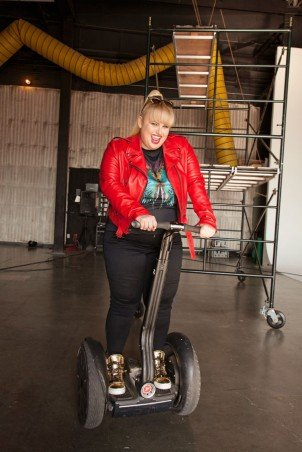 Rebel Wilson's interview with Cosmopolitan – Talks about her new show Super Fun Night and a bit about Pitch Perfect