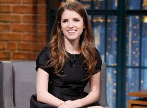 Anna Kendrick explains why the Green Bay Packers are in Pitch Perfect 2