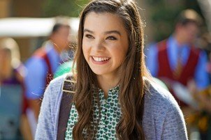 Hailee Steinfeld Says 'Pitch Perfect 2′ Has 'Like 52 Songs In Two Minutes'