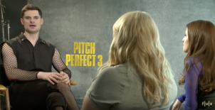Flula interviews the cast of Pitch Perfect 3